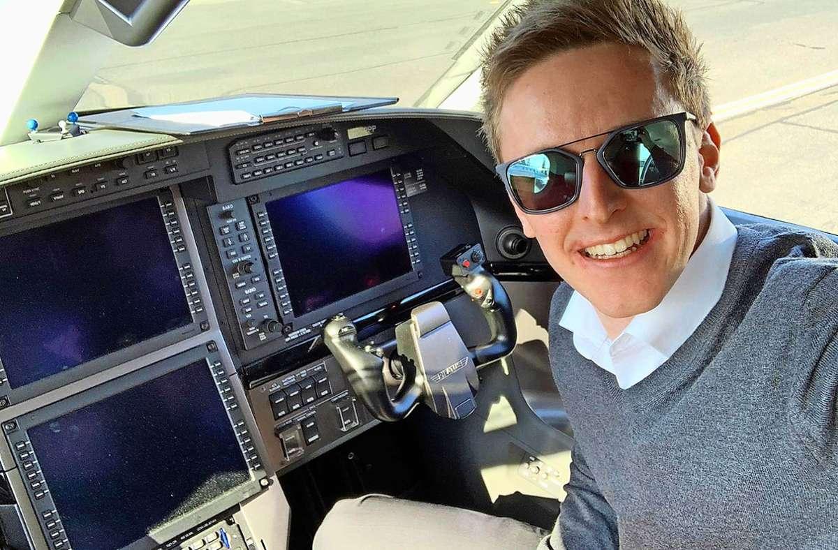 Philipp Fischle lässt gern den Stress und die Hektik am Boden, wenn er seinen Dienst im Cockpit antritt. Foto: privat