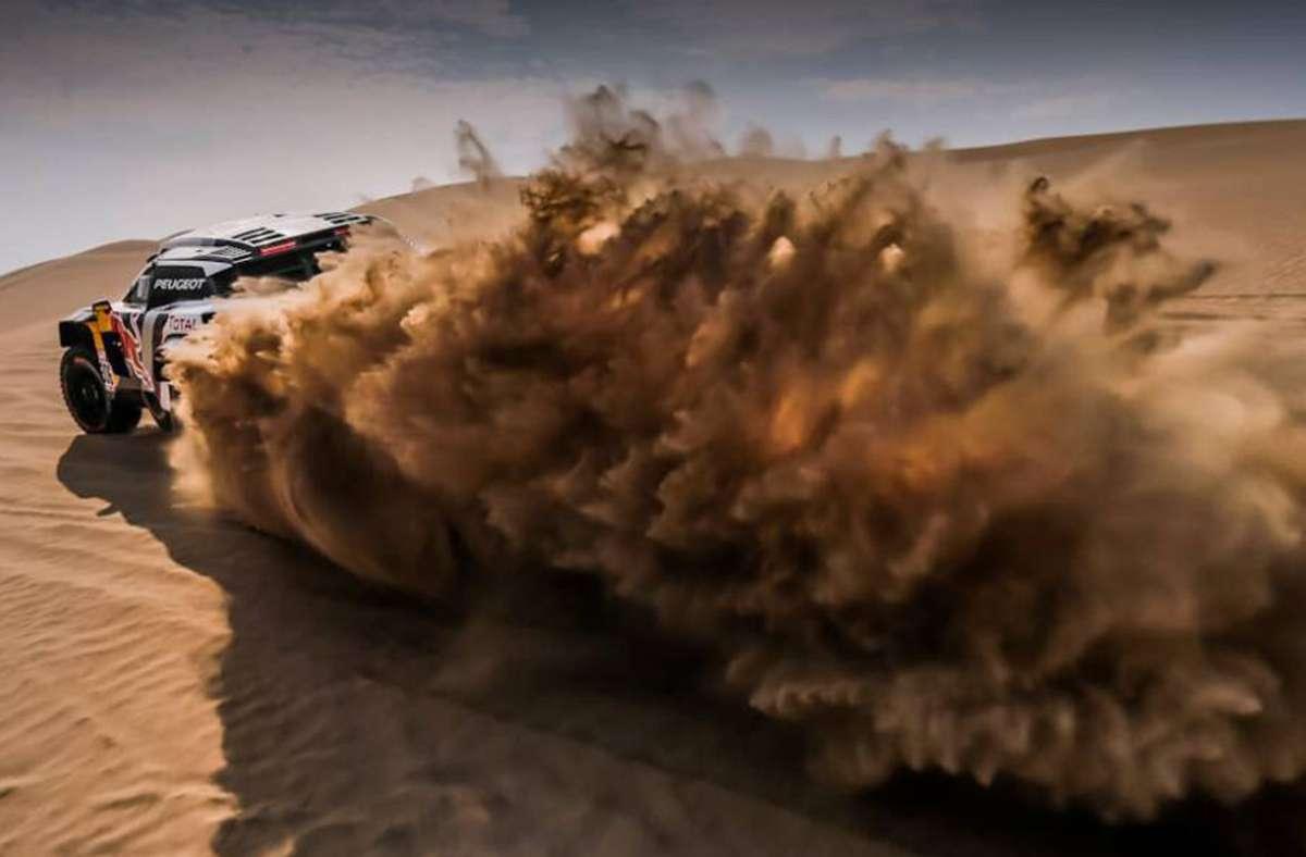 Rennen in der Wüste – die Rallye Dakar hat eine ganz eigene Faszination. Foto: dpa/Florent Gooden