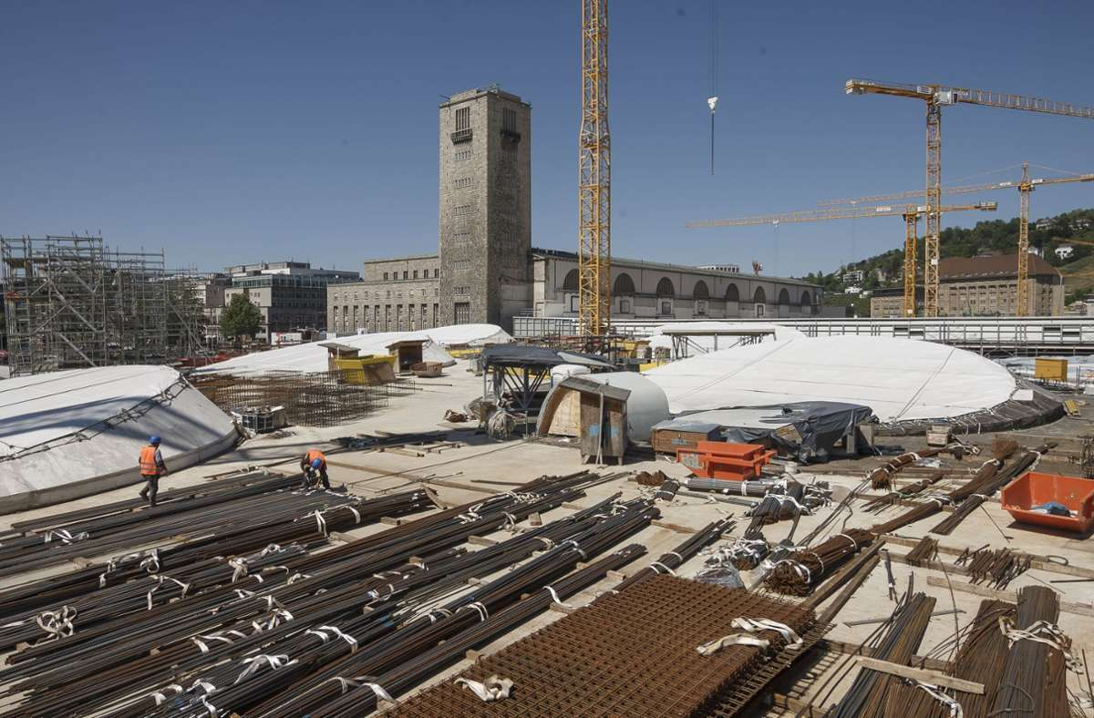 Der neue Tiefbahnhof soll 2025 in Betrieb gehen. Grüne und CDU in der Landesregierung prüfen einen Zusatzhalt. Die  CDU in der Region geht  nicht mit. Foto: Lg/Julian Rettig