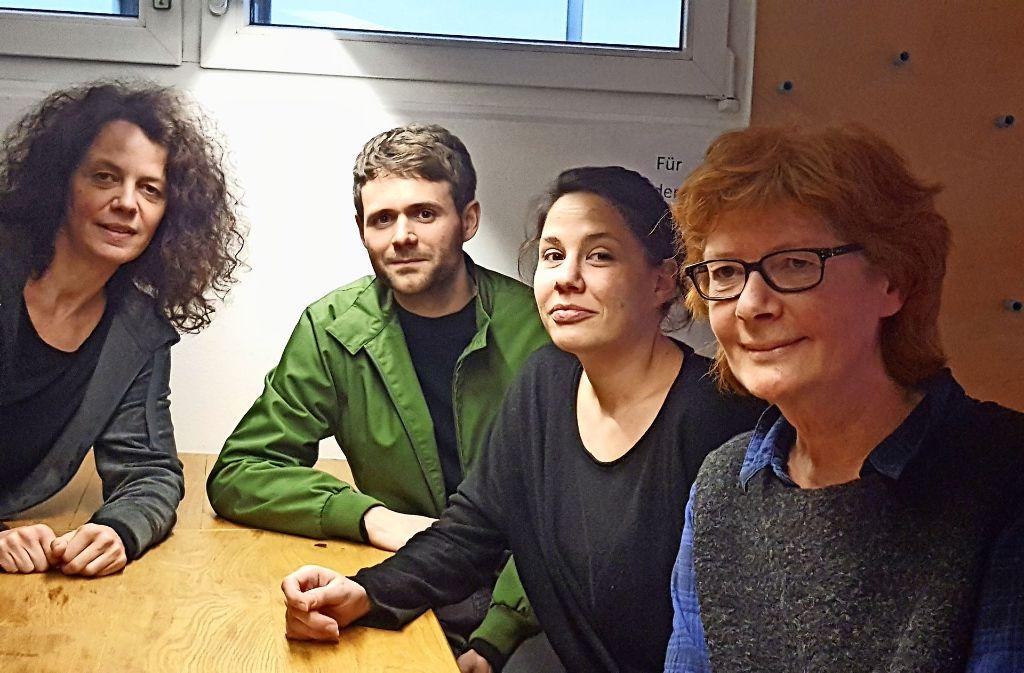 Das Merlin-Team aus Annette Loers, Arne Hübner und Kathrin Dick hat sich   neu organisiert, nachdem Barbara Bruns (rechts) in den Ruhestand geht. Foto: Kathrin Wesely
