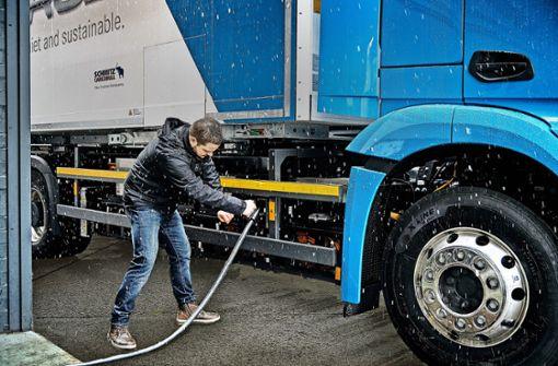 Daimler setzt den Actros unter Strom
