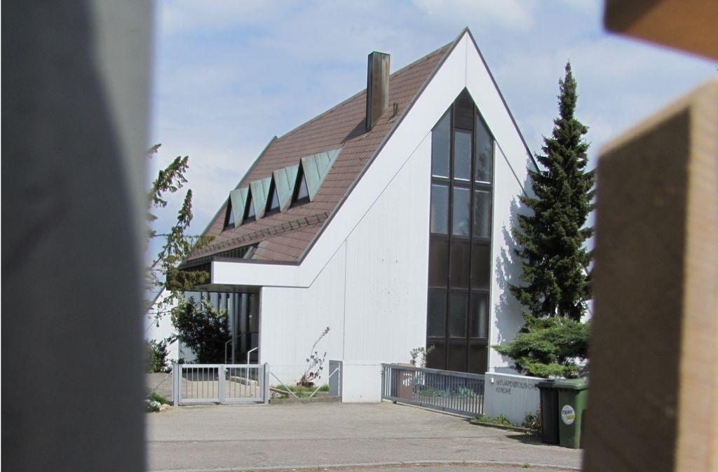 Die Neuapostolische Kirche in Birkach wird schon seit Jahren nicht mehr von den Gläubigen genutzt. Noch steht nicht fest, was aus dem Gebäude wird. Foto: Judith Sägesser