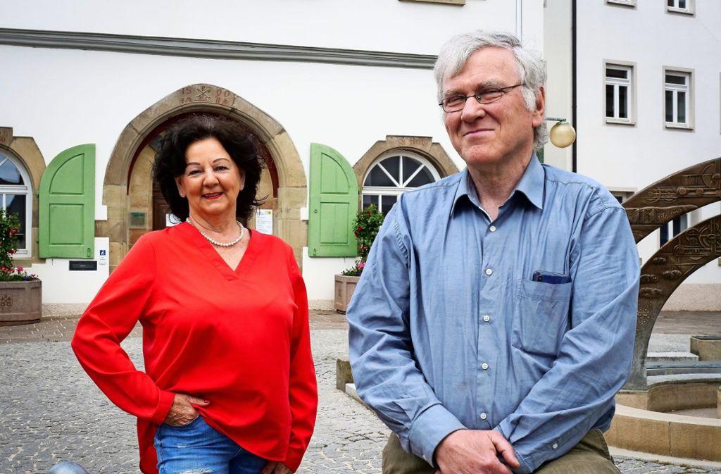 Die Initiatorin Ute Geiger und Erwin Eisenhardt von der Renninger Agenda werden Gründungsmitglieder im neuen Seniorenrat. Foto: factum/Simon Granville