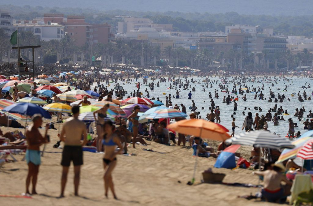 Bei den Beschwerden über mögliche Reisemängel sollten Urlauber vor Ort immer auch den richtigen Ton finden. Foto: dpa