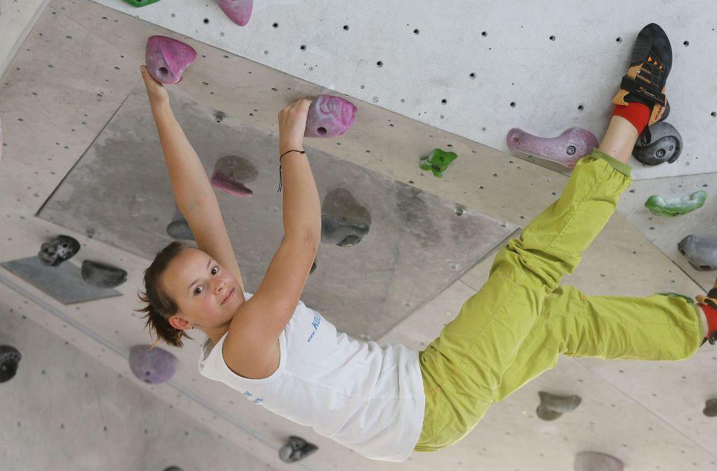 Ob in der freien Natur oder in der Halle: Beim Klettern werden alle Muskelgruppen des Körpers trainiert, Ausdauer und Kraft,  aber  auch die kognitiven  Fähigkeiten sind gefragt. Foto: Pressefoto Baumann