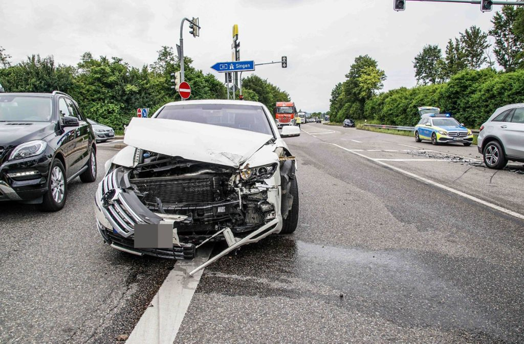 Ein Unfall nahe Herrenberg sorgte für Verkehrsstörungen an der Anschlussstelle der  A81. Foto: SDMG