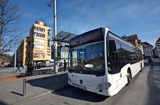 Busunternehmen  kündigt  Vollbremsung an