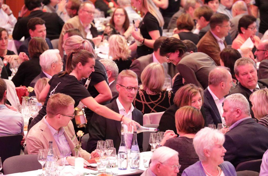 Im voll besetzten Hölderlinsaal der Schwabenlandhalle  gab es eine wahrlich Große Weinprobe. Foto: Patricia Sigerist
