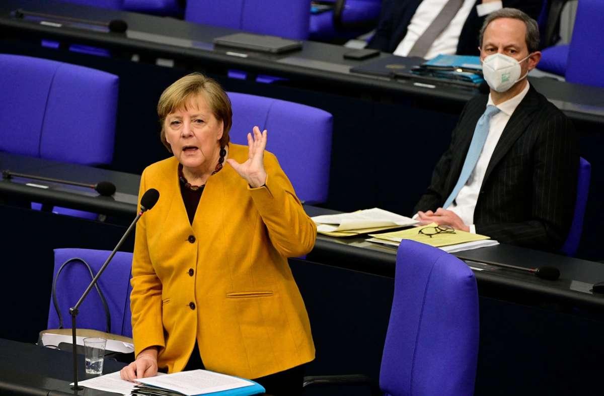 Zu viele Fragen hätten nicht gelöst werden können, sagte Merkel. Bei einem Statement und kurz darauf im Bundestag erneuerte sie zugleich aber ihren Appell, Kontakte stark zu reduzieren. Foto: AFP/TOBIAS SCHWARZ