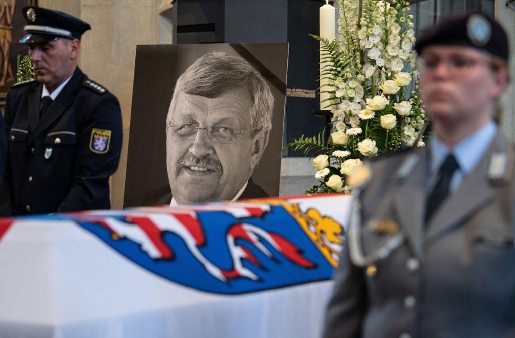 Der CDU-Politiker Lübcke war in der Nacht zum 2. Juni 2019 auf der Terrasse seines Wohnhauses im Kreis Kassel mit einem Kopfschuss getötet worden. Foto: dpa/Swen Pförtner