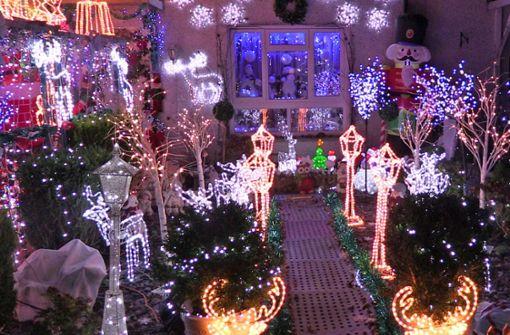 70 000 Leuchten am Haus samt Musik sind Verwaltung zu viel