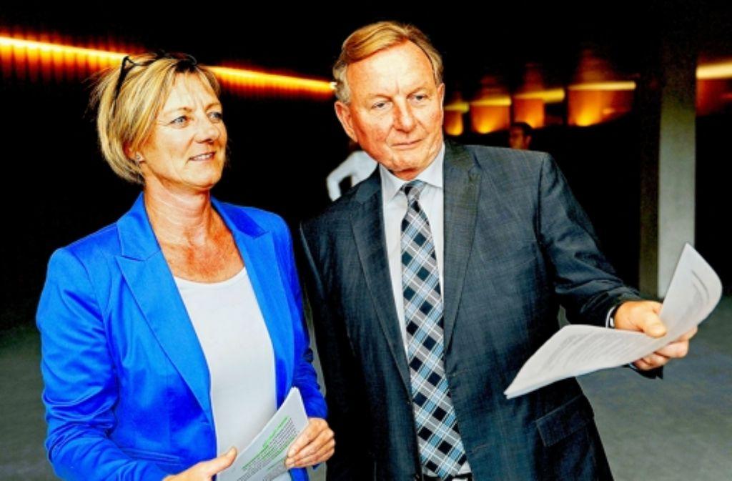 Edith Sitzmann (Grüne) und Claus Schmiedel (SPD). Foto: dapd
