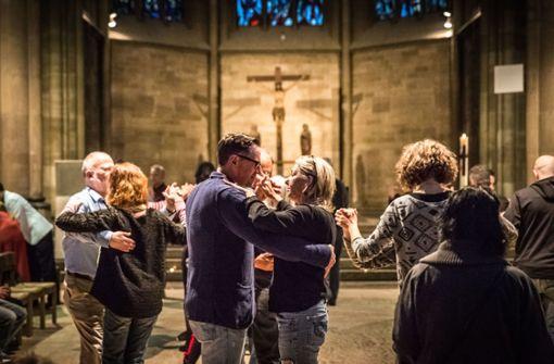 Tangotanzen vor dem Altar