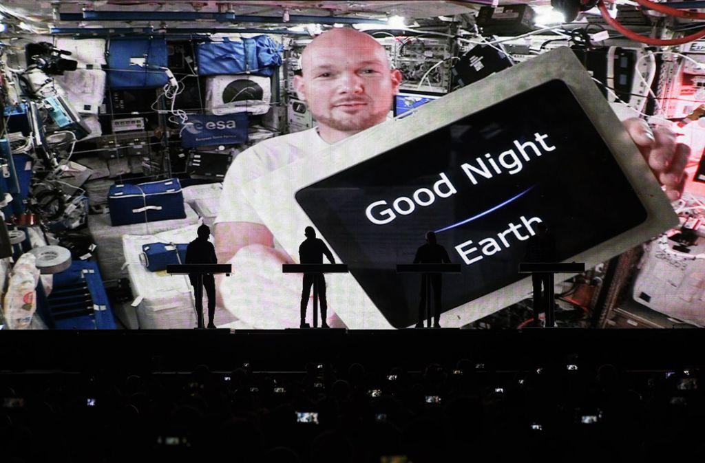 Als prominenter Gast hat sich ISS-Astronaut Alexander Gerst zum Auftritt von Kraftwerk zuschalten lassen. Foto: dpa