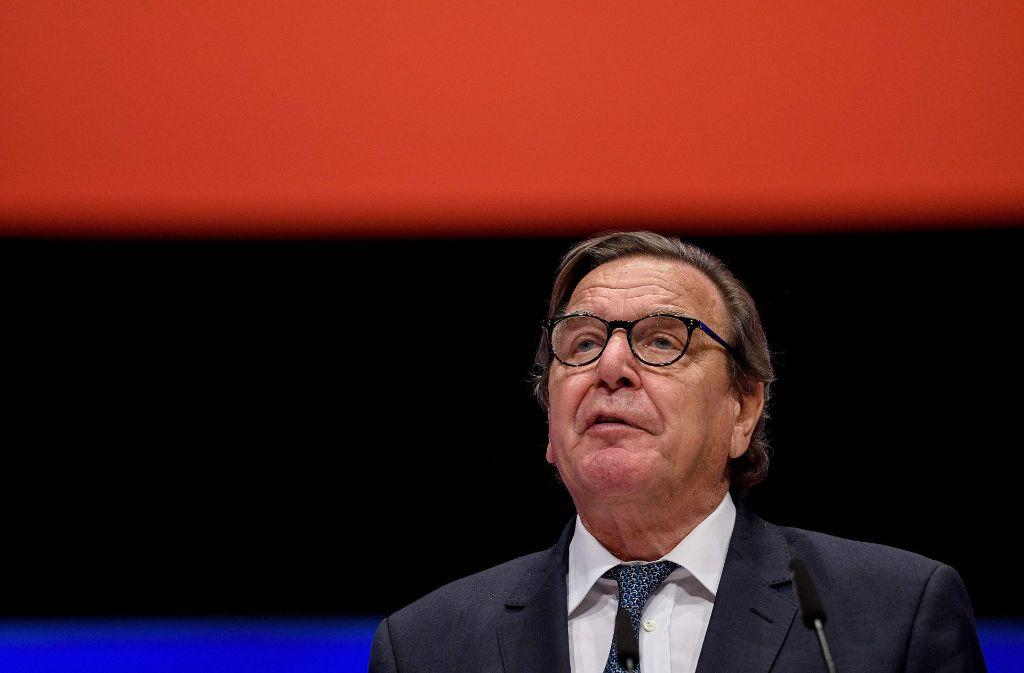 Altkanzler Gerhard Schröders Tätigkeit für Rosneft bleibt umstritten. Foto: AFP