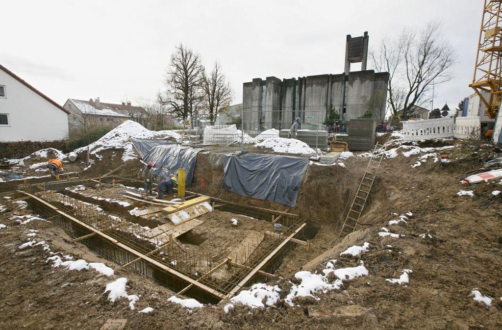 Wo der alte Kindergarten stand, klafft jetzt eine Baugrube. Foto: Horst Rudel
