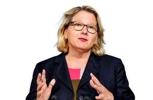 Die Umweltministerin, die kaum einer kennt