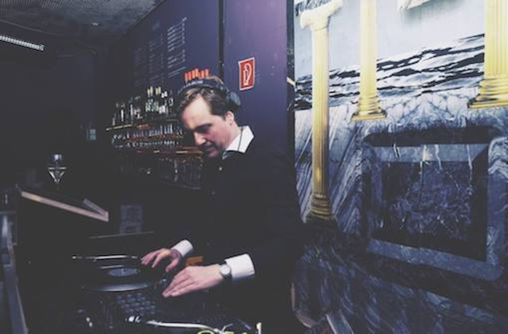 Last night a DJ saved their lifes: Matthias Straub aka St. Malo an den Decks. Foto: Florentine Pilvi