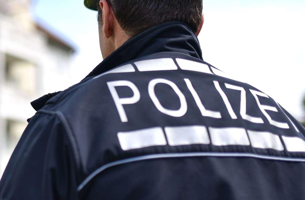 Per Zufall schnappte die Polizei einen Mann mit falscher Identität (Symbolbild). Foto: dpa/Uwe Anspach