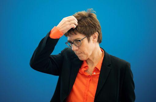 Annegret Kramp-Karrenbauer ist angeklagt
