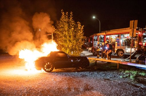 Opel GT brennt lichterloh