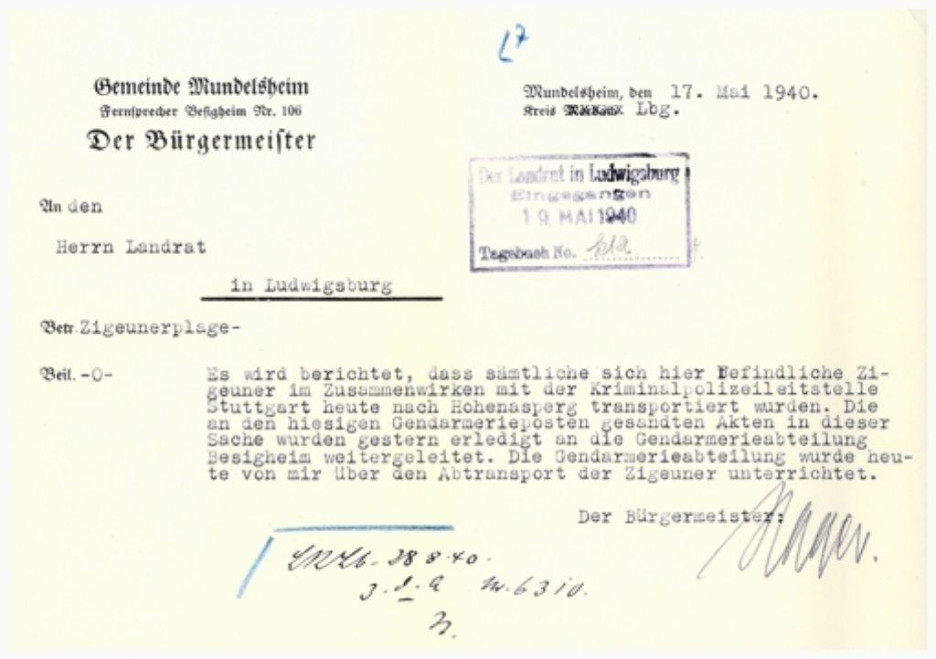 Ein Schreiben des Mundelsheimer Bürgermeisters vom 17. Mai 1940 an den Landrat zeigt die Verwicklung kommunaler Behörden in die Deportation. Foto: Staatsarchiv Ludwigsburg