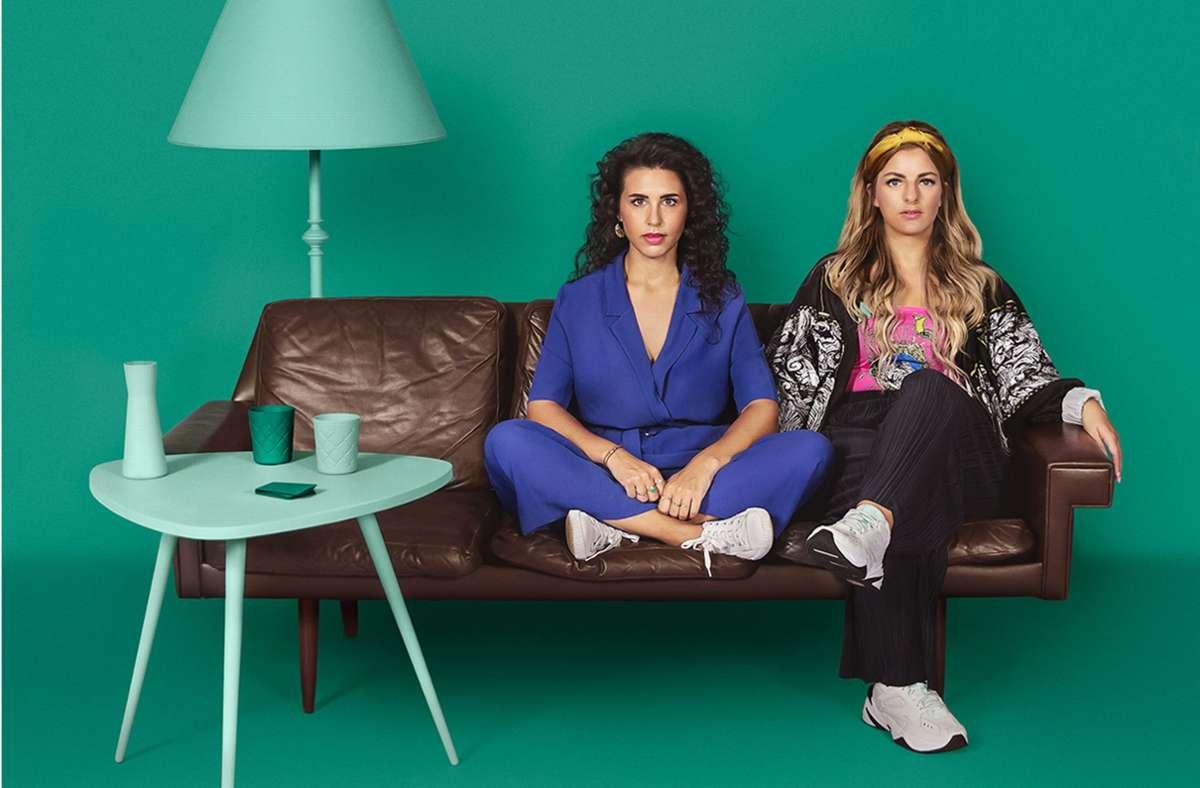 """Das Ende von """"Herrengedeck"""" ist besiegelt. Ariana Baborie (l.) und Laura Larsson hören auf. Foto: Spotify"""