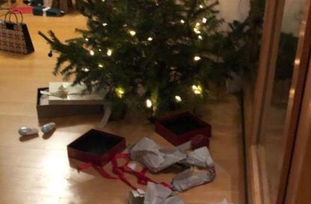 Spuren des Einbruchs: Die Geschenke sind ausgepackt – aber nicht von den Beschenkten... Foto: