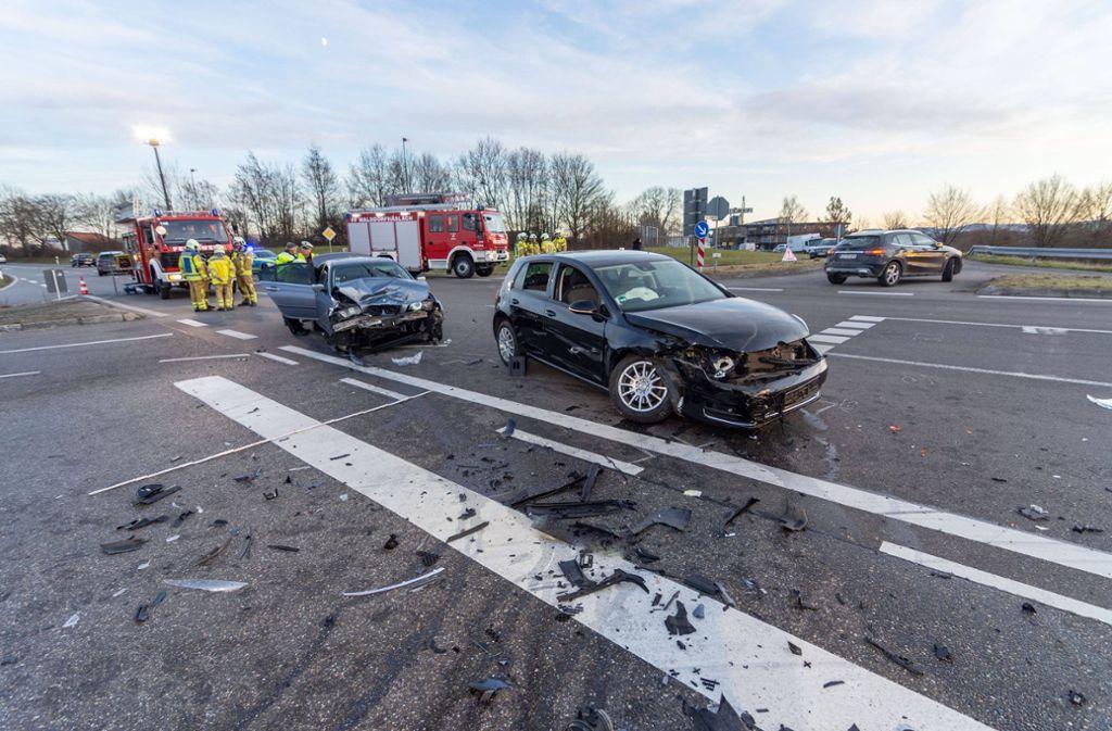 Bei dem Unfall gab es sechs Verletzte. Foto: 7aktuell.de/Moritz Bassermann