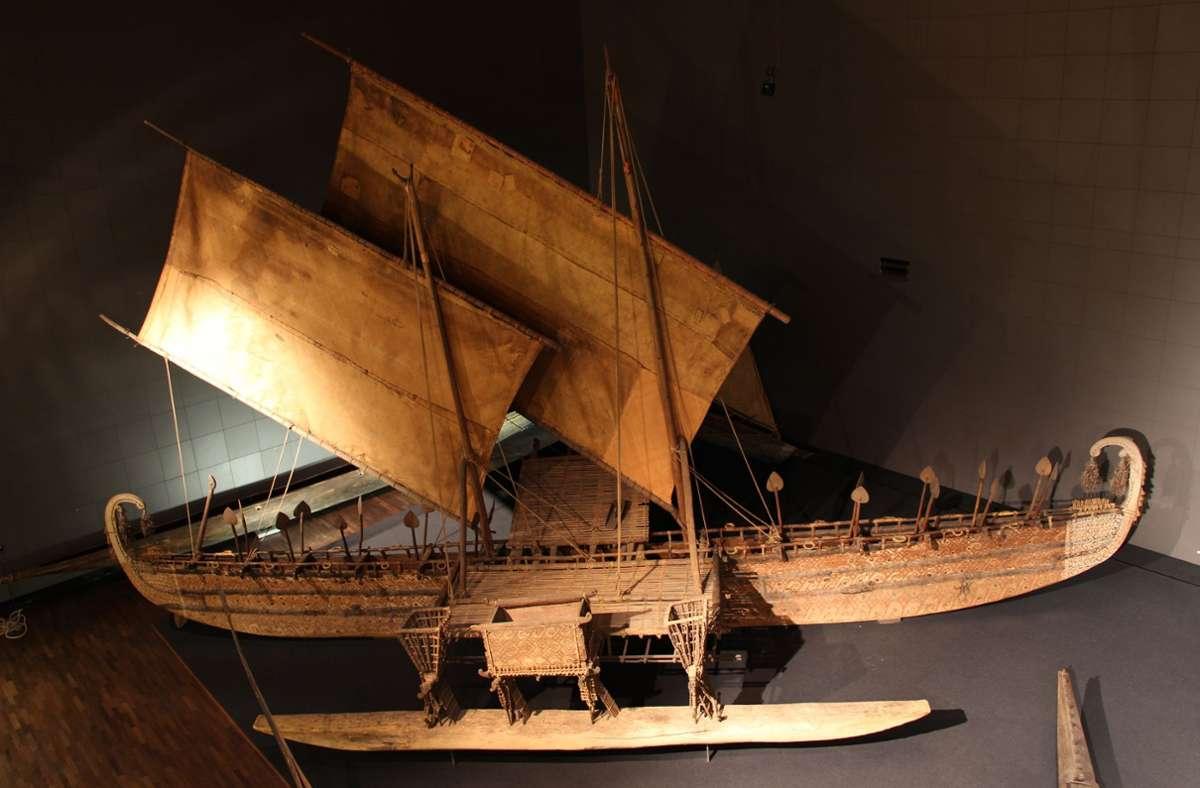 Ein Prachtstück im neuen Humboldt Forum – und heftig umstritten: das Luf-Boot. Foto: SPK/Stefan Müchler