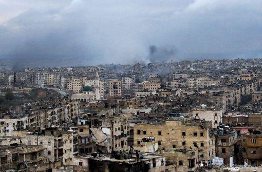 Schwere Gefechte und Luftangriffe in Aleppo - Assad droht