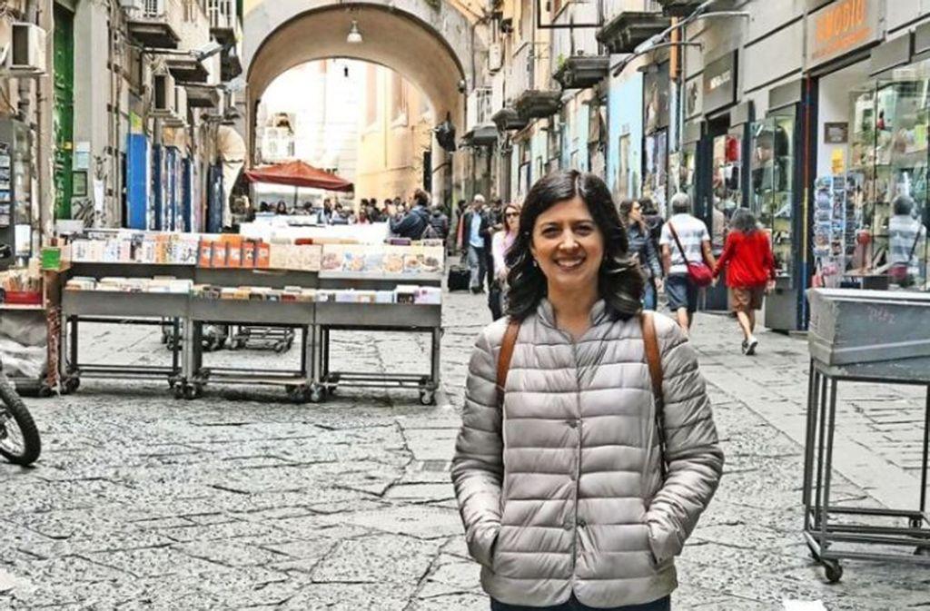 Ilaria Pareti hat Fremdsprachen studiert – und löst nun Computerprobleme per Fernwartung. Doch die 30-Jährige hatte keine Wahl, in Neapel fehlen die Jobs. Foto: StZ/Buhl