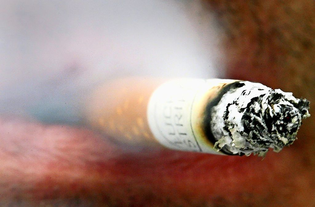 Rauchen ist verpönter. Foto: dpa