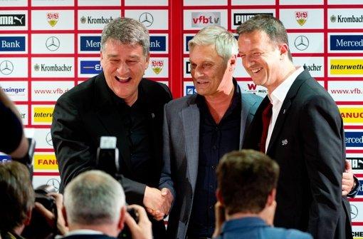 Fredi Bobic, Armin Veh und Bernd Wahler (von rechts): wer kommt zum VfB? Foto: dpa