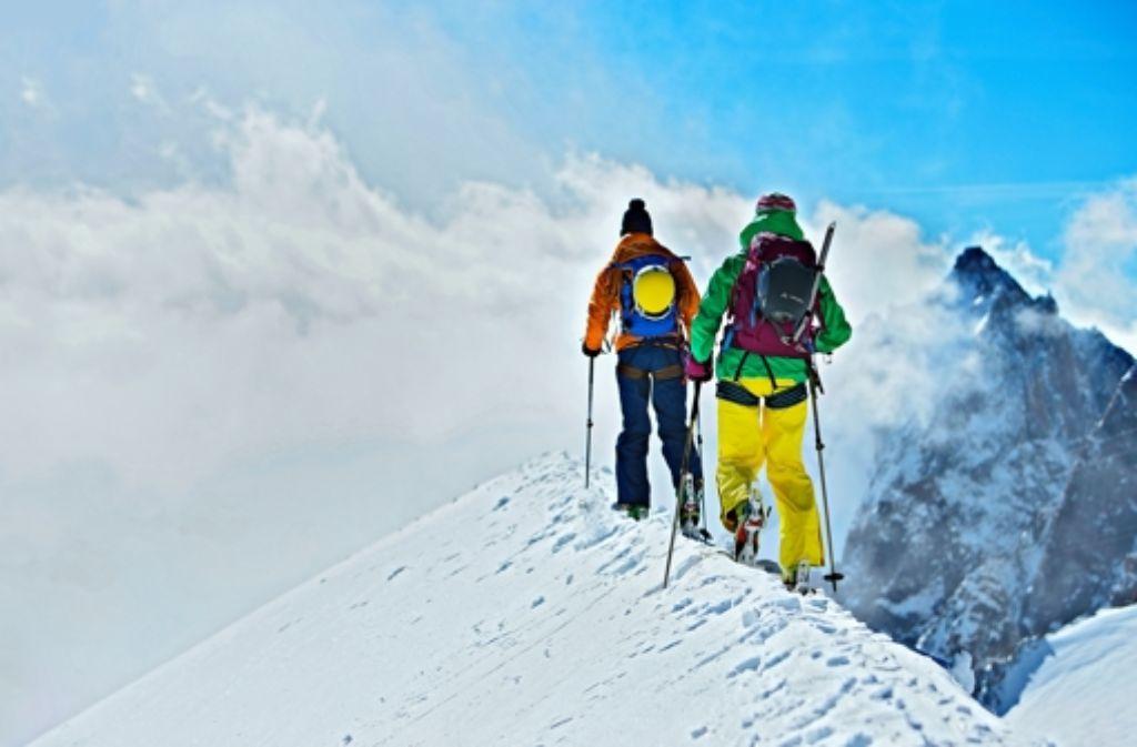 Gipfelsturm mit der richtigen Ausrüstung: echte  Outdoor-Fans  –  also Menschen, die tatsächlich in der Natur unterwegs sind  –  lassen die Branche nach wie vor wachsen. Aber nur noch in kleinen Schritten. Foto: Vaude/Moritz Attenberger