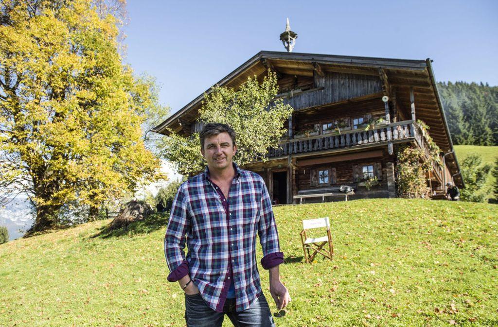 Auf dem Köpfinghof wohnt Bergdoktor Martin Gruber alias Hans Sigl in der ZDF-Serie. Foto: Ferienregion Wilder Kaiser