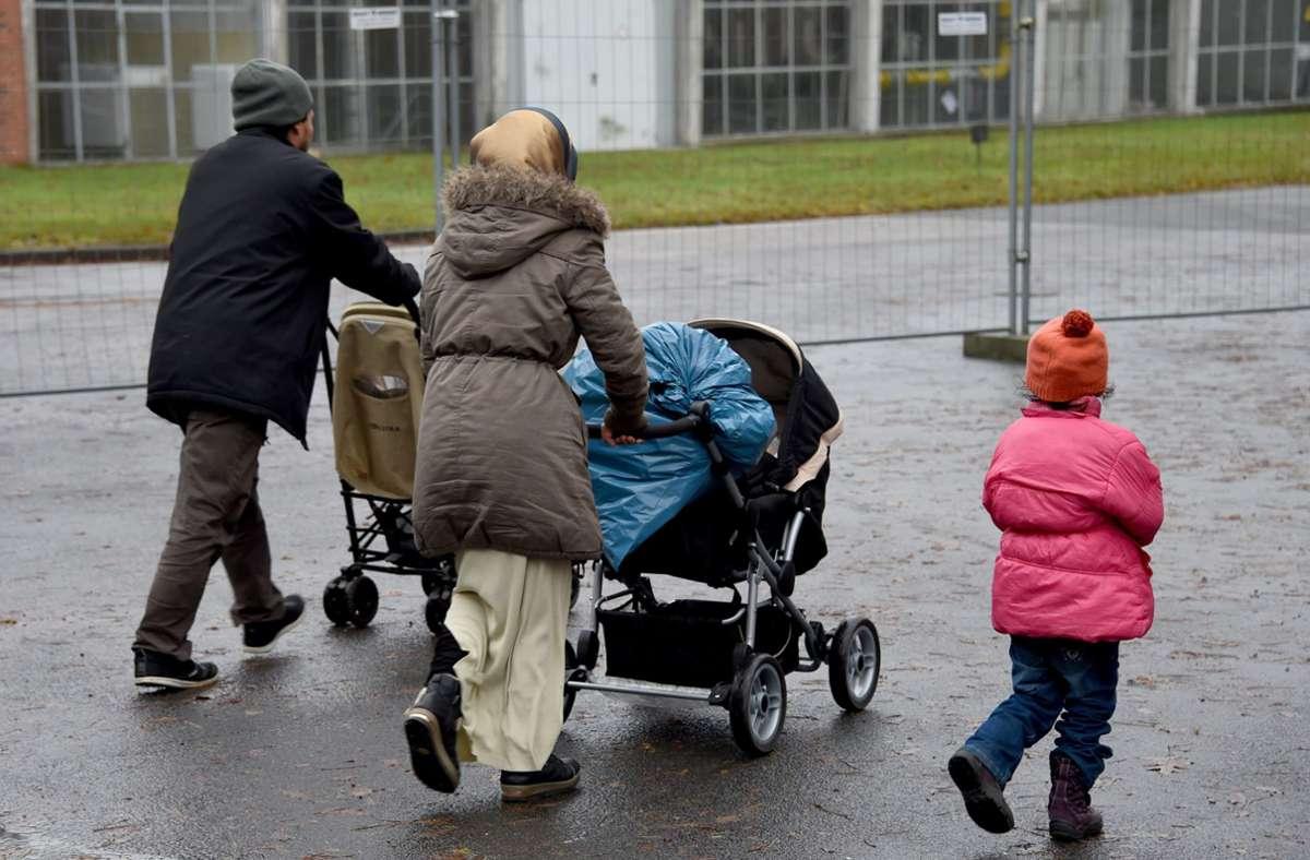 Die meisten Menschen, die Asylbewerberleistungen beziehen, kommen aus dem Irak. (Symbolbild) Foto: dpa/Carsten Rehder
