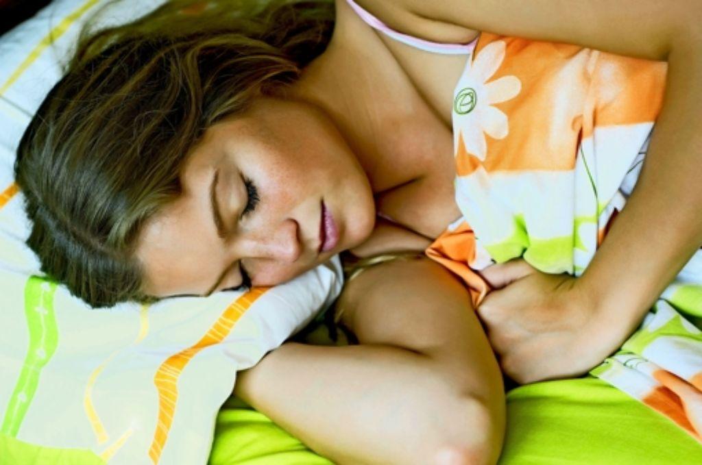 Im Schlaf arbeitet das Gehirn unbewusst weiter – was den Lernerfolg erhöhen kann. Foto: Mauritius