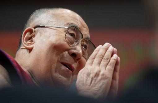 Dalai Lama liegt im Krankenhaus