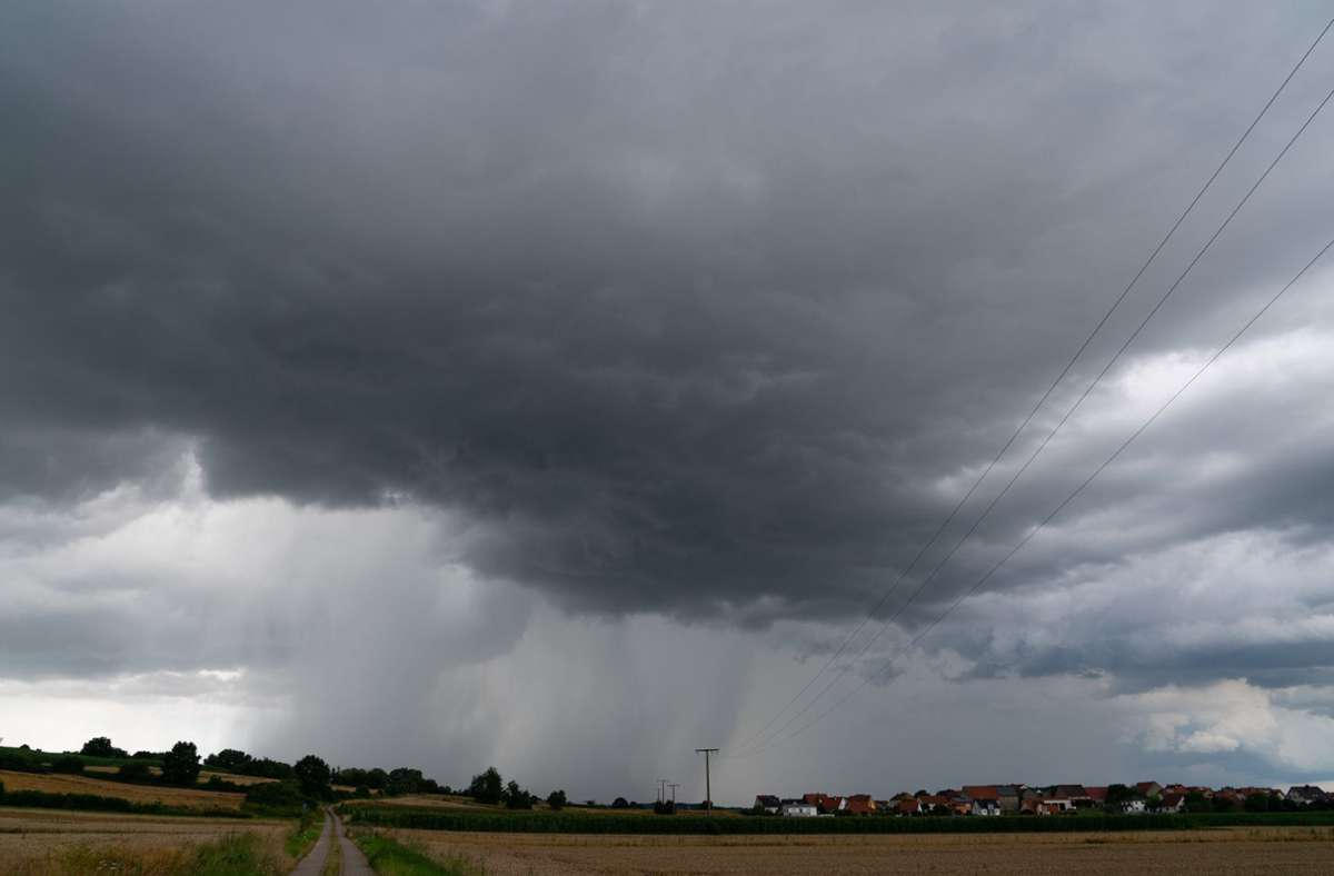 Dunkle Gewitterwolken in Oberfranken Foto: dpa/Nicolas Armer