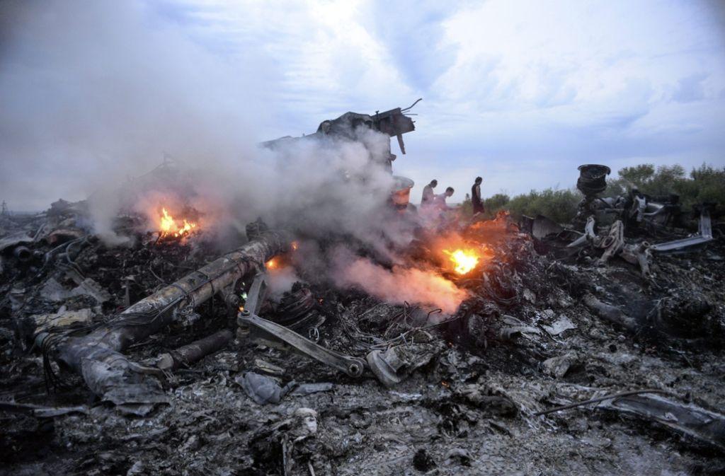 Trümmer der Passagiermaschine MH17 im Osten der Urkaine. Foto: dpa