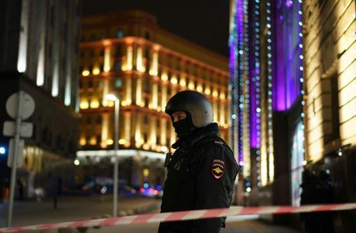 Unbekannter tötet FSB-Mitarbeiter - weitere Verletzte