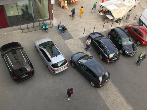 Die Wendefläche wird regelmäßig zugeparkt