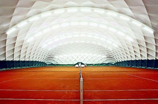 Traglufthalle ermöglicht  Tennisspiel im Winter