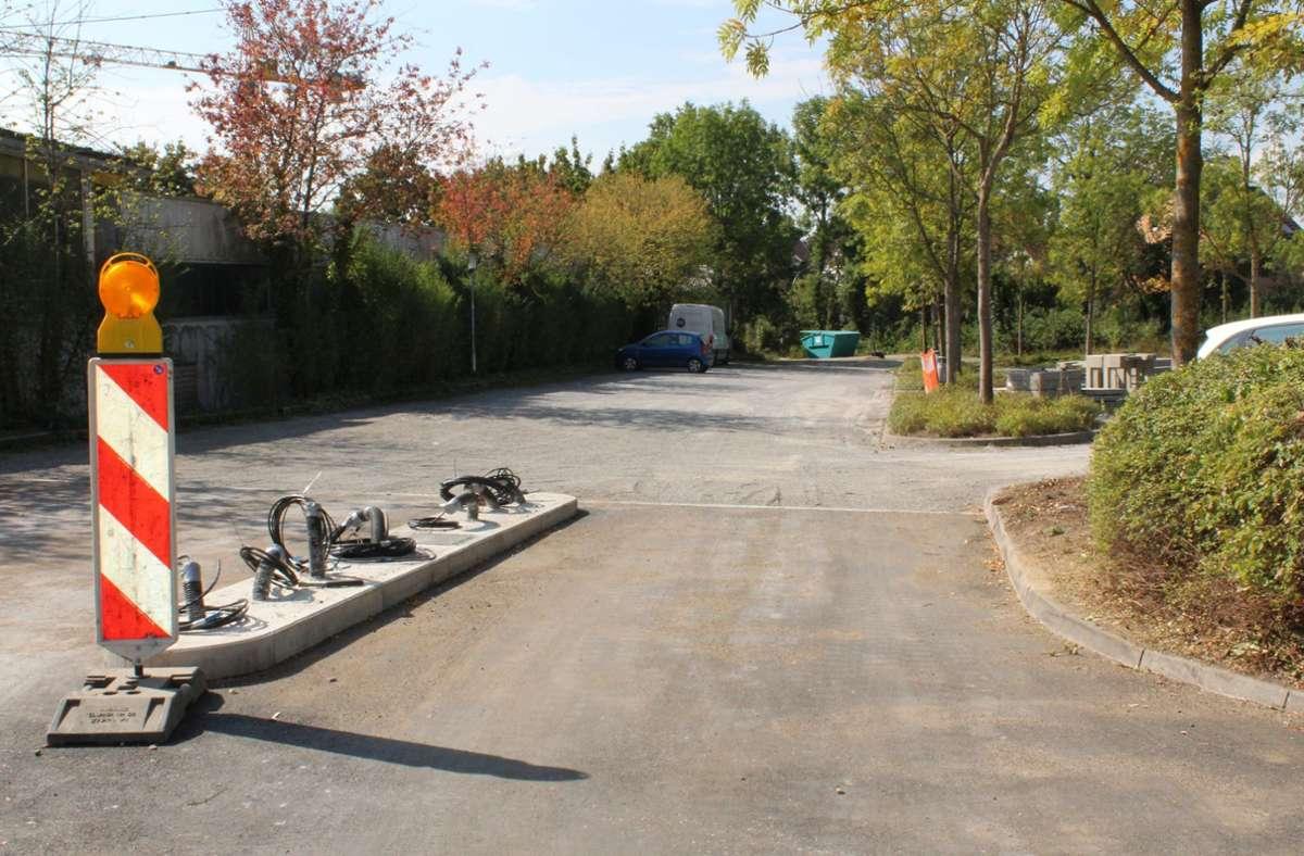 Bis Ende des Monats sollen alle Schranken an den kostenpflichtigen Parkflächen stehen. Foto: Jacqueline Fritsch