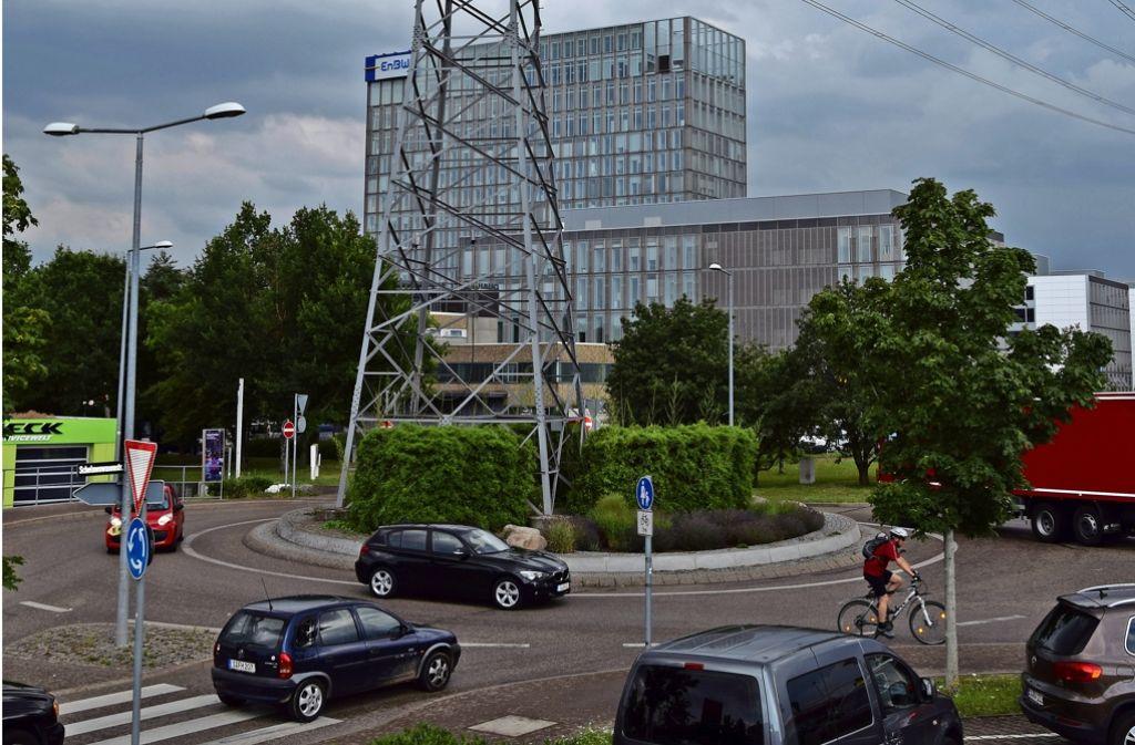 Im  Kreisverkehr im Gewerbegebiet und auf den Straßen drumherum rollt in Stoßzeiten oft kein Rad mehr. Foto: Archiv A. Kratz