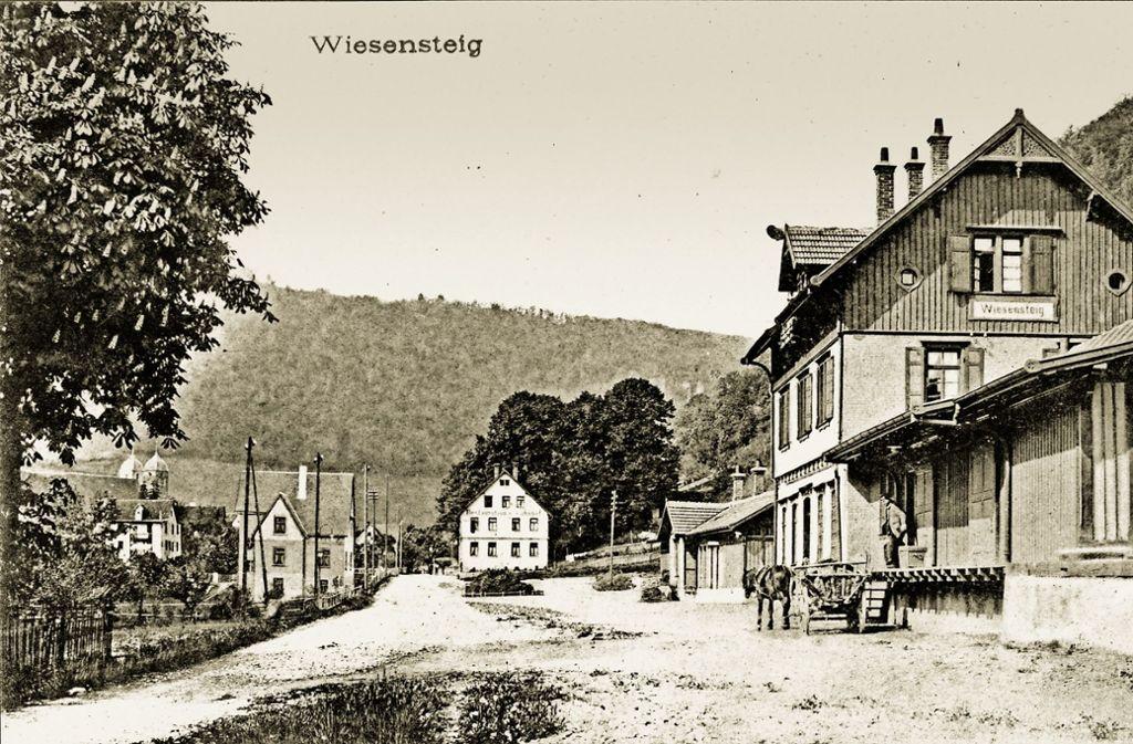 Der Wiesensteiger Bahnhof war die Endstation der Tälesbahn. Foto: Kreisarchiv