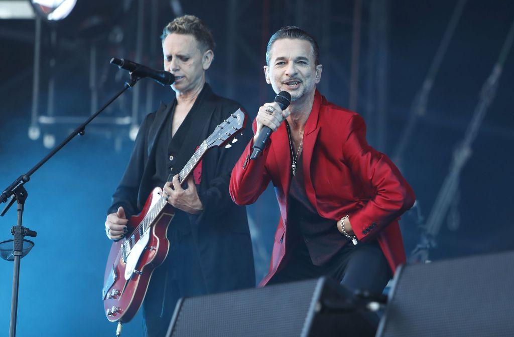Dave Gahan (rechts) und Martin Gore von Depeche Mode beim Konzert am 18. Juni in Zürich Foto: dpa