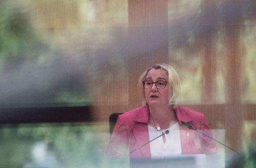Ministerin Bauer rüffelt  die Hochschule Konstanz