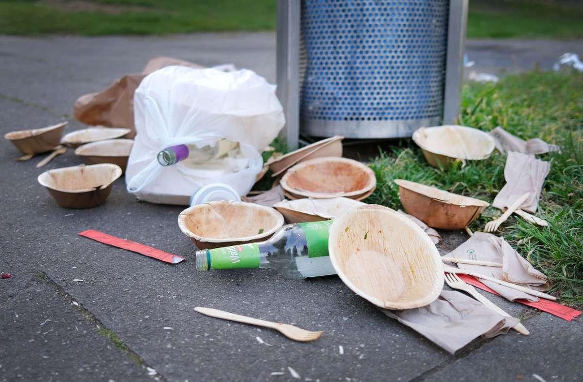 Die Abfälle wurden an die Camper per Post zurückgeschickt. (Symbolfoto) Foto: dpa/Martin Gerten